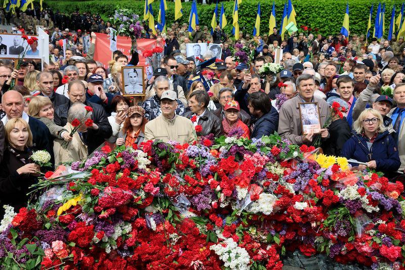 За участие в «Бессмертном полку» киевлянам грозят повторением одесской трагедии