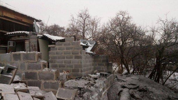 ДНР: в результате обстрелов три поселка остались без света, есть разрушенные дома