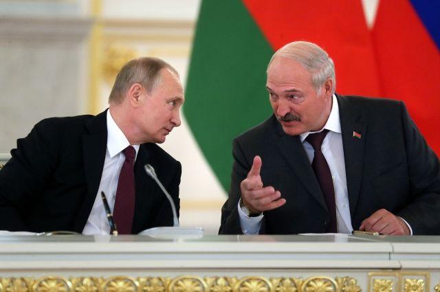 Путин по телефону поздравил Лукашенко с днем рождения
