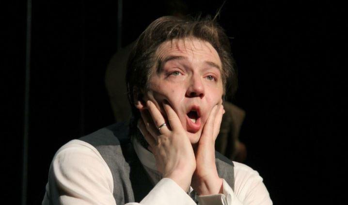 Актер Петр Красилов заболел пневмонией и ждет результатов теста на коронавирус Шоу бизнес
