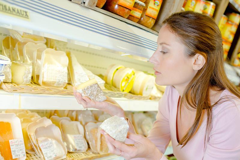 Вот чем можно заменить дорогой сыр в различных рецептах