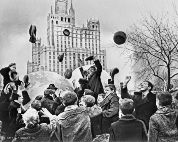 С Днём космонавтики!!! ГАГАРИН,ГЕРОИ,НОСТАЛЬГИЯ,РЕТРО,СОВЕТСКИЙ ПЕРИОД,СОВЕТСКИЙ СОЮЗ,СОВЕТСКОЕ ВРЕМЯ,СОЦИАЛИЗМ,СССР