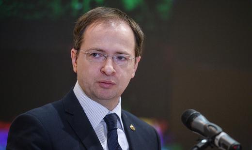 Депутаты Петербурга поддержали обращение к премьеру об отставке Мединского