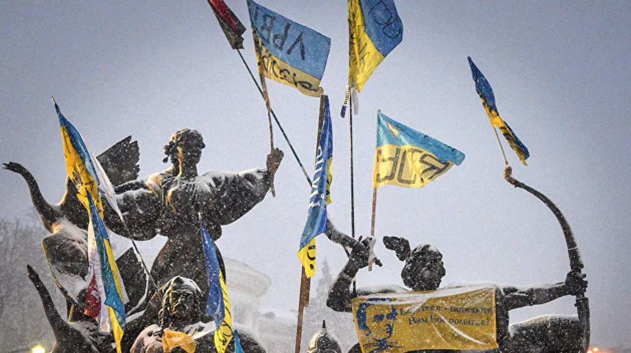 Лечение преувеличением: как клепаются мифы об украинском величии