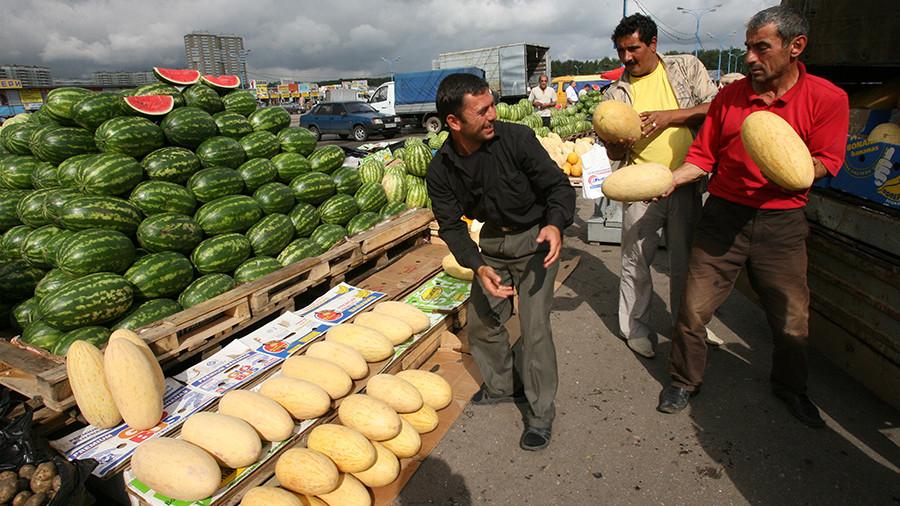 Поток мигрантов в Россию сократился