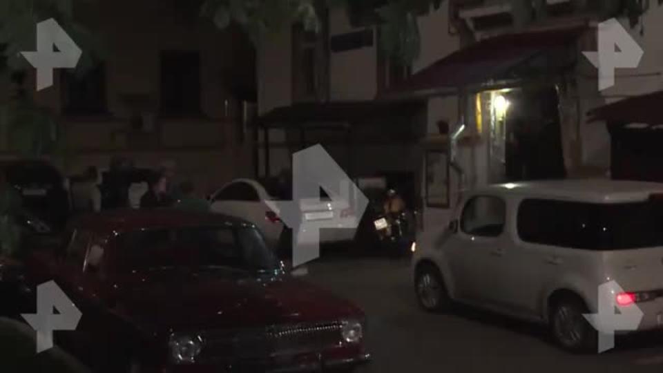 """""""Кровь там летела"""": соседка рассказала об избиении актера Шлыкова"""