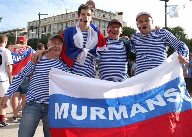 Почему победа русских фанатов в Марсельском порту - это круто!