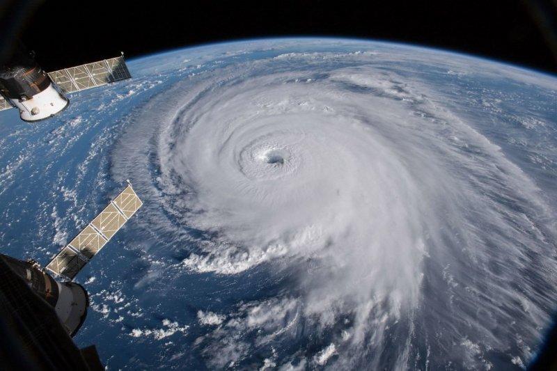 Предупреждение об урагане «Флоренс» действует в районах, где проживает уже более 10 миллионов человек. nasa, космос, мкс, природа, стихия, ураган, фото, фотографии