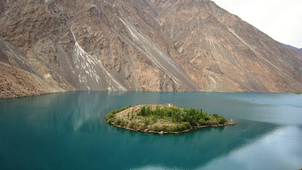 Озеро Сатпара в Пакистане