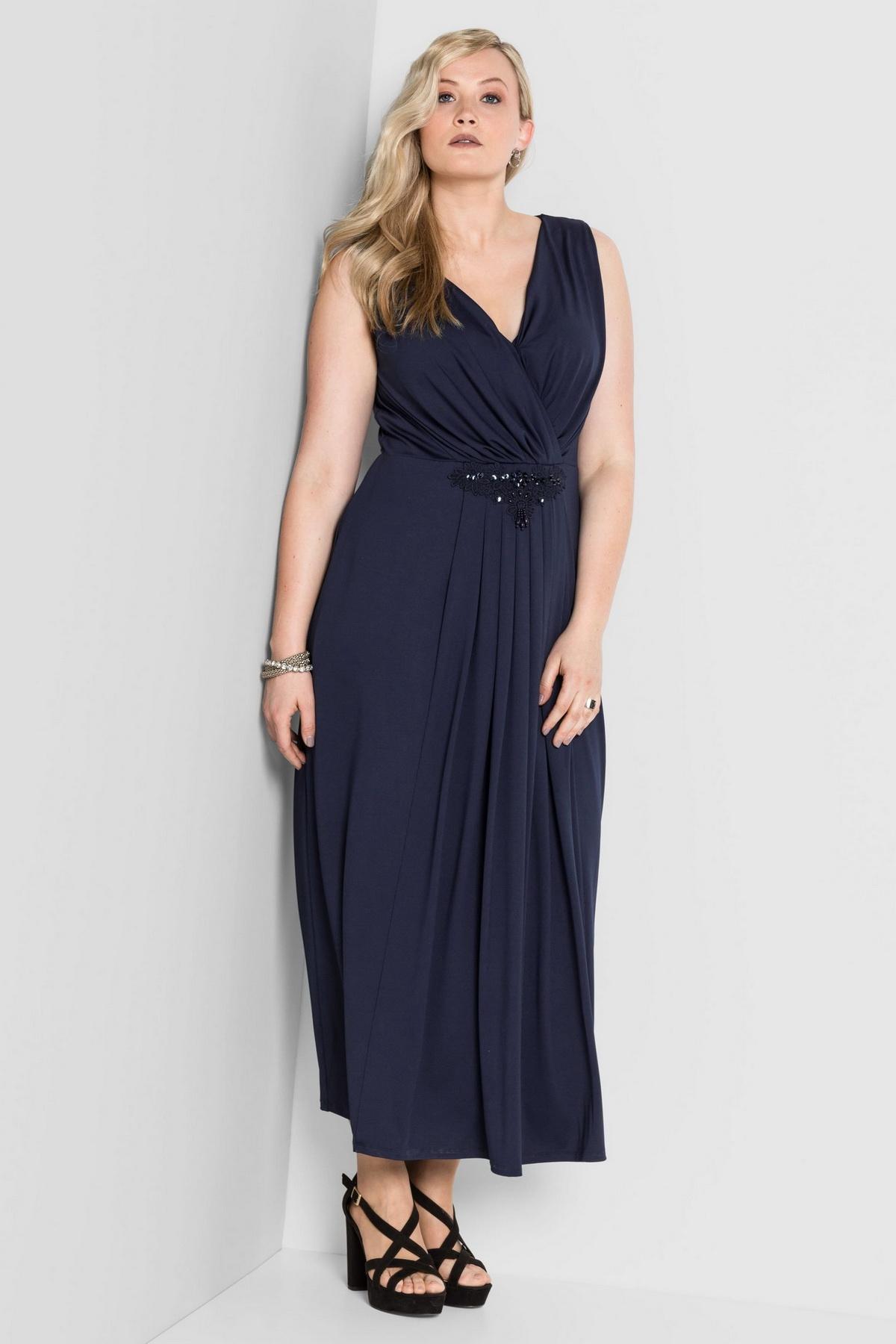 стильные вечерние платья 2020