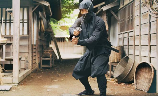 45-летний японец стал первым в мире сертифицированным ниндзя