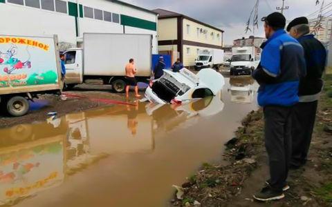 «Яндекс.Такси» утонуло… в городской луже