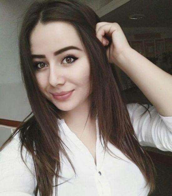 Симпатичные девушки с натуральной красотой (31 фото)