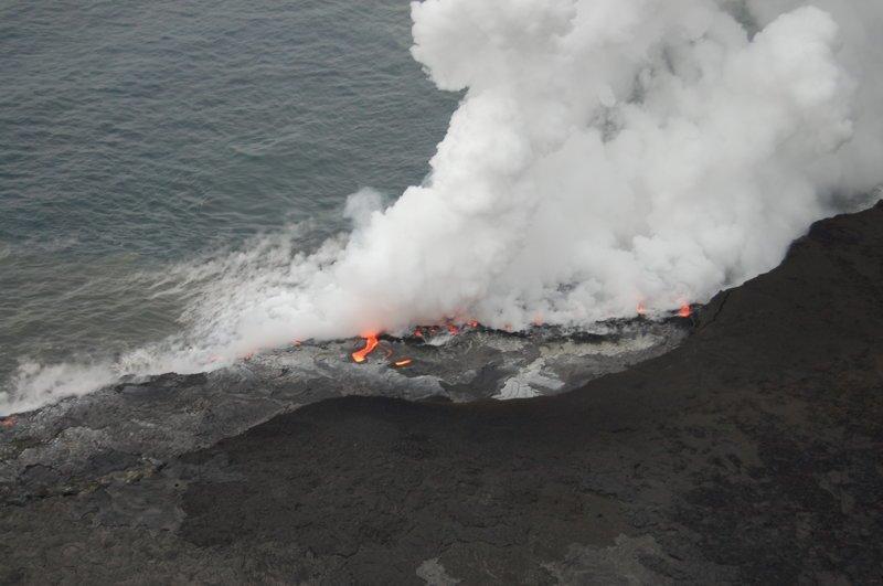 Пока не достигает воды, где охлаждается америка, вулканы, гавайи, пейзажи, природа, путешествия
