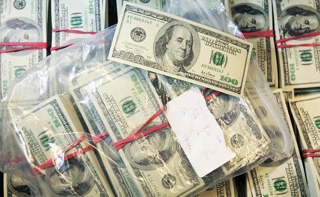 Сенат США заморозит долларовые депозиты в России