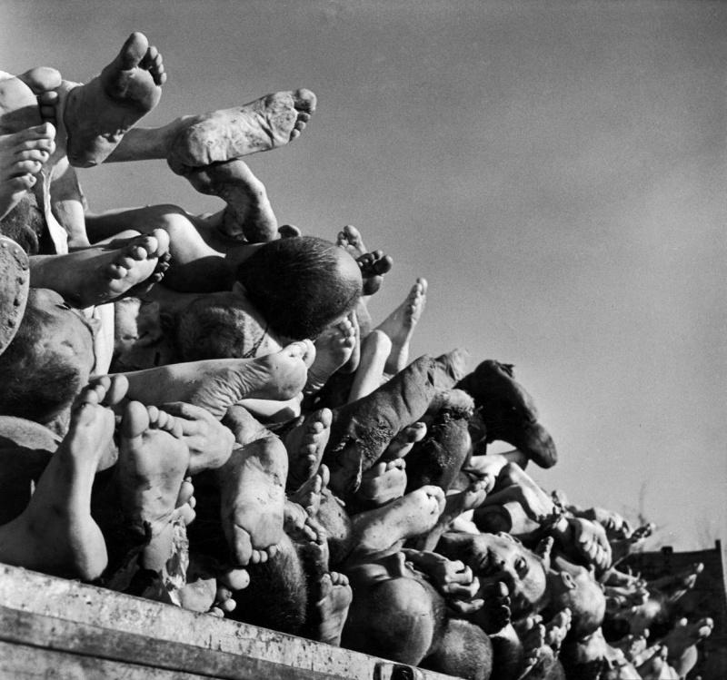 Порно нацисты издеваются над пленницами конслагерей
