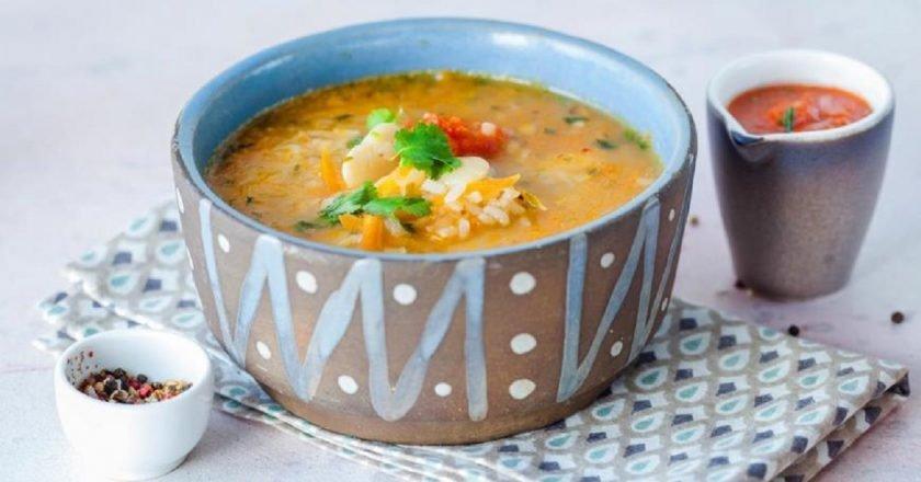 Грузинский суп из фасоли