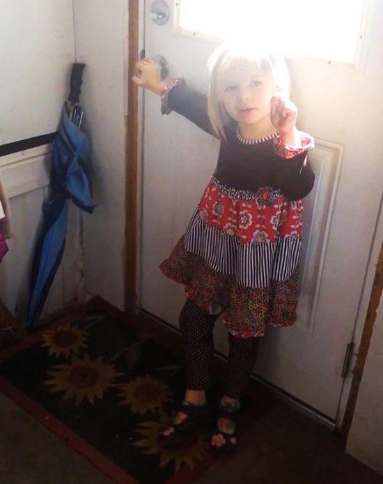 Эта симпатичная 5-летняя девочка привела домой весьма неожиданного гостя