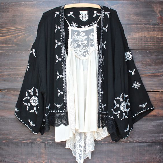 boho embroidered kimono jacket - black: