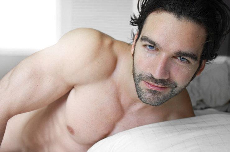 В твоей постели - голый мужч…