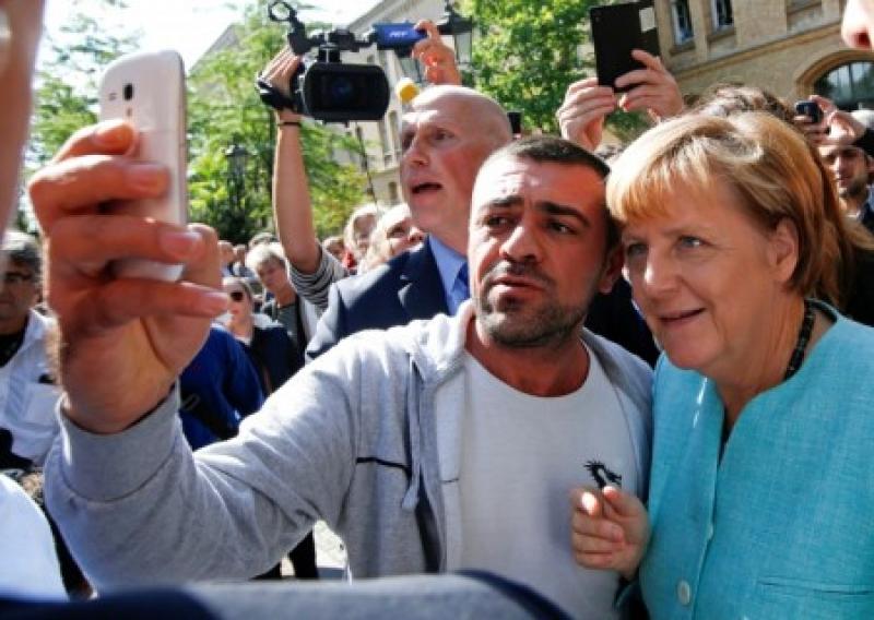 Меркель заставили пересмотреть миграционную политику «открытых сердец»