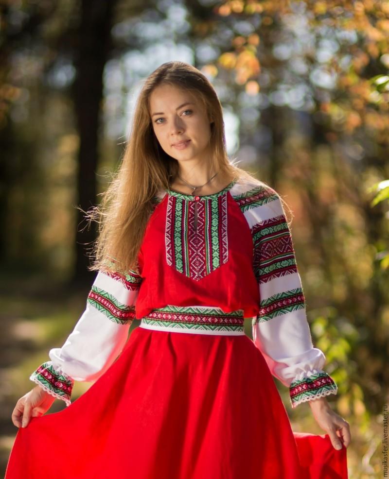 odevaetsya-devushka-russkaya-foto-podruzhka-soglasilas-otlizat