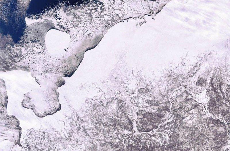 1. Северо-запад российской Арктики — Ненецкий автономный округ и Печорское море. земля, космос, пейзаж, планета, природа, россия, фотосъемка
