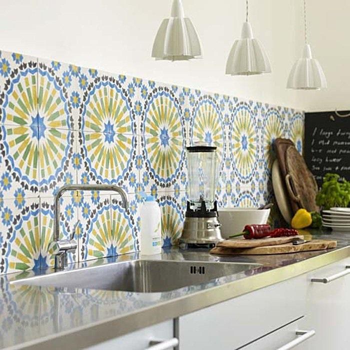 Плитка с рисунком – отличное решение для кухни