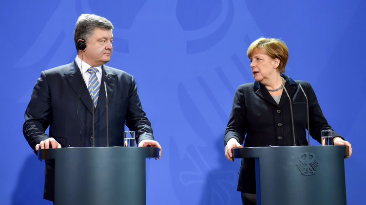 Куда Меркель послала Порошенко и Трампа