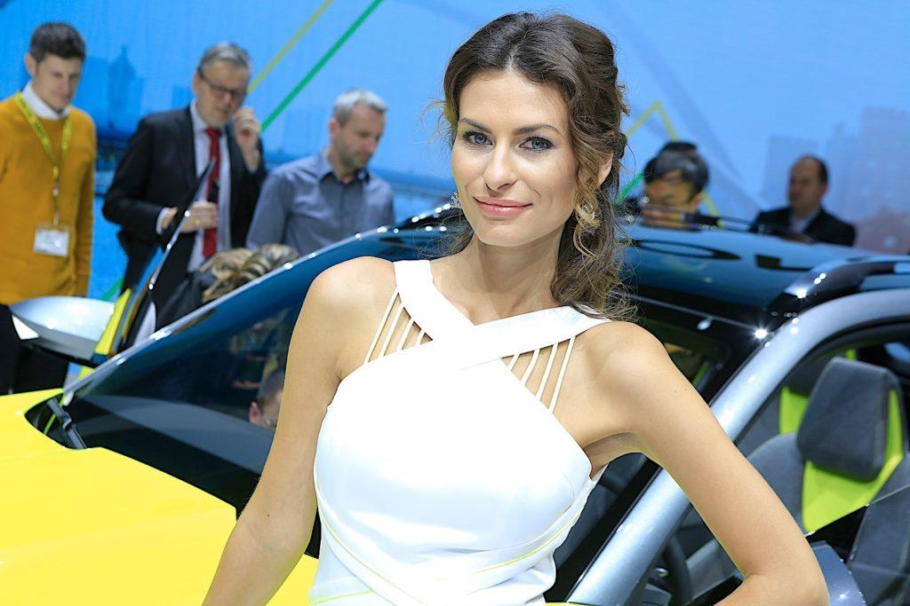 Девушки женевского автосалона 2018