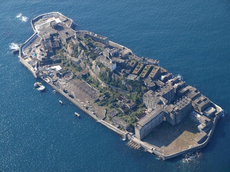 3. Островной город Хасима, Япония города-призраки, заброшенные города, загадки, тайны, фото