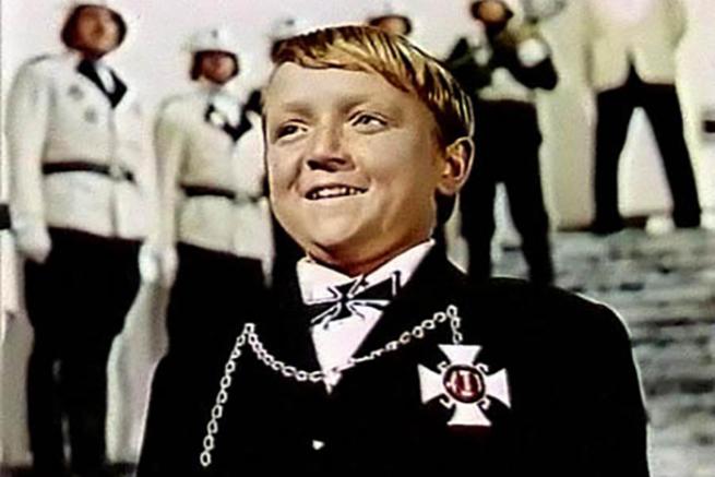 Мальчик из Н. Уренгоя, украинец по национальности, извинился за всю Россию перед фашистами?..