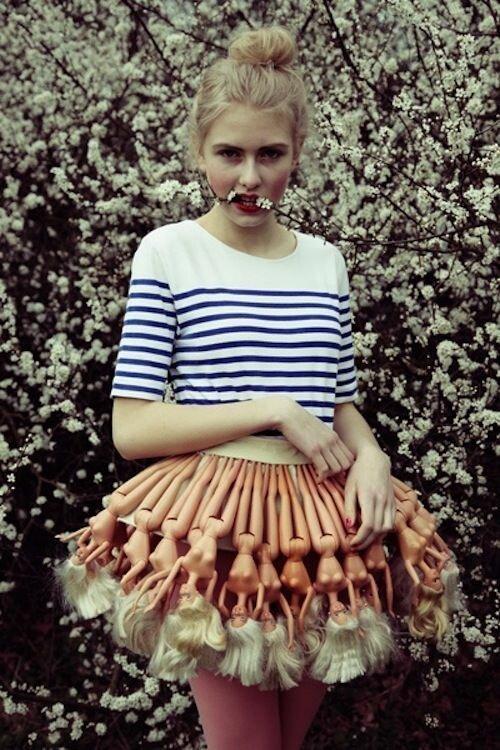 3. Юбка из Барби горе модники, дизайн, мода, смешно, трэш, фото