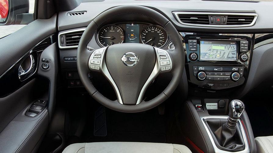 Интерьер второго поколения Nissan Qashqai