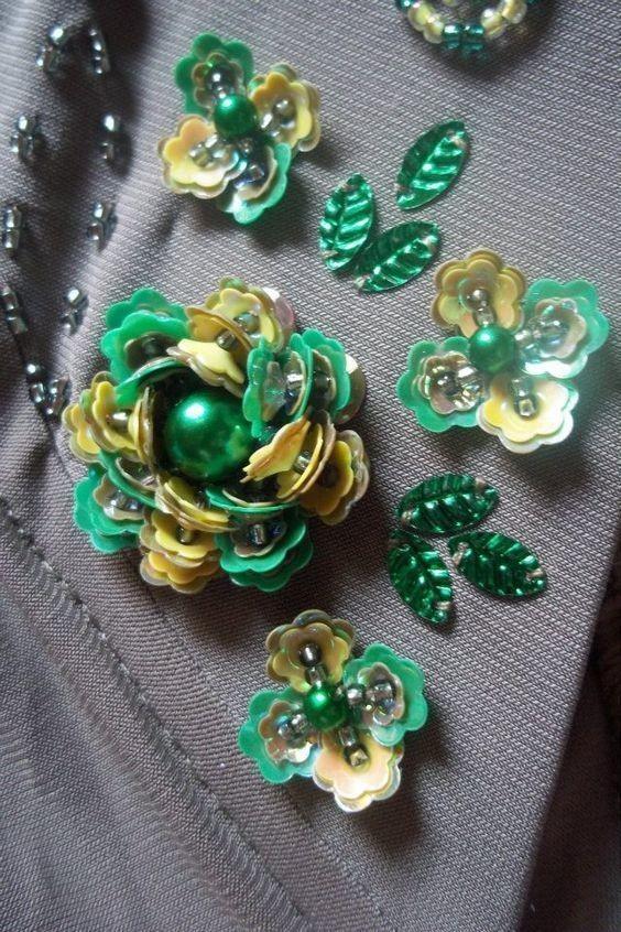 Вышивка пайетками. Идея декора для нарядного платья