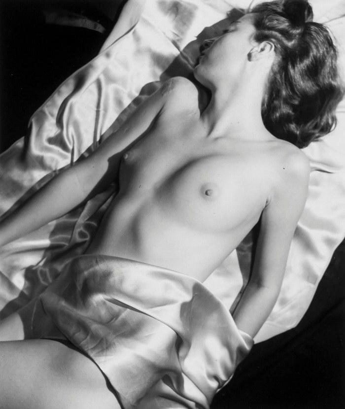 30 винтажных эротических фотографий