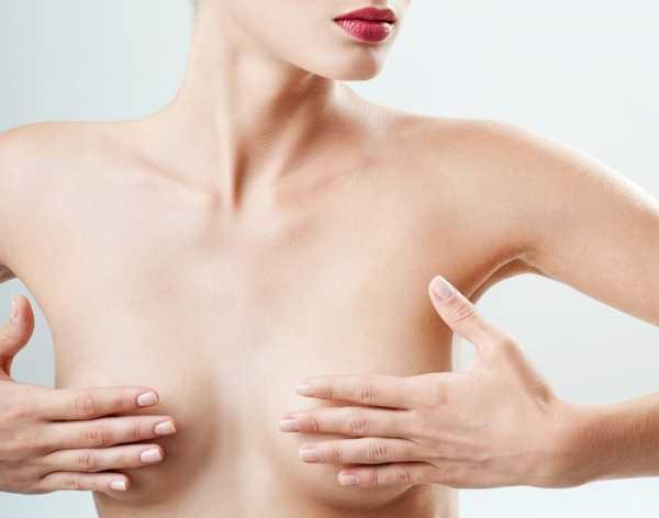 ФАС России сочла маленькую женскую грудь физическим недостатком