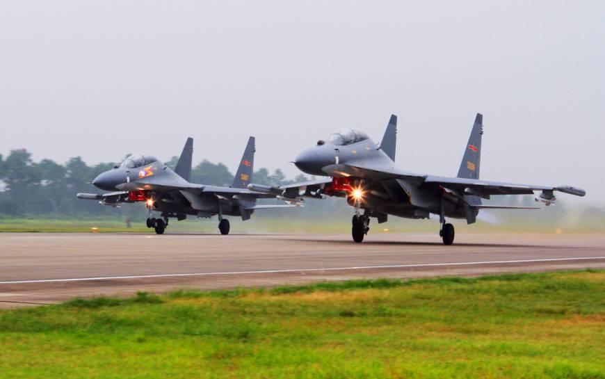 Китай ответил на обвинения США в «непрофессиональном» перехвате самолета
