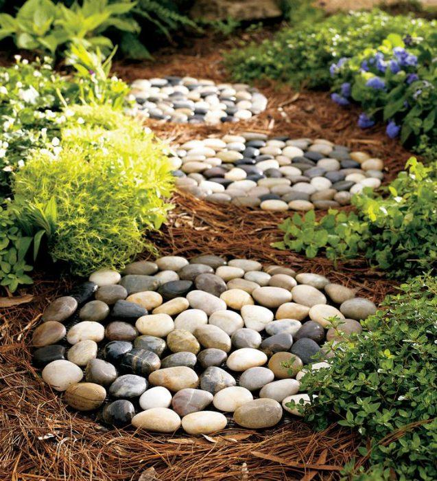 Очень красивые идеи использование камней в дизайне дома и сада