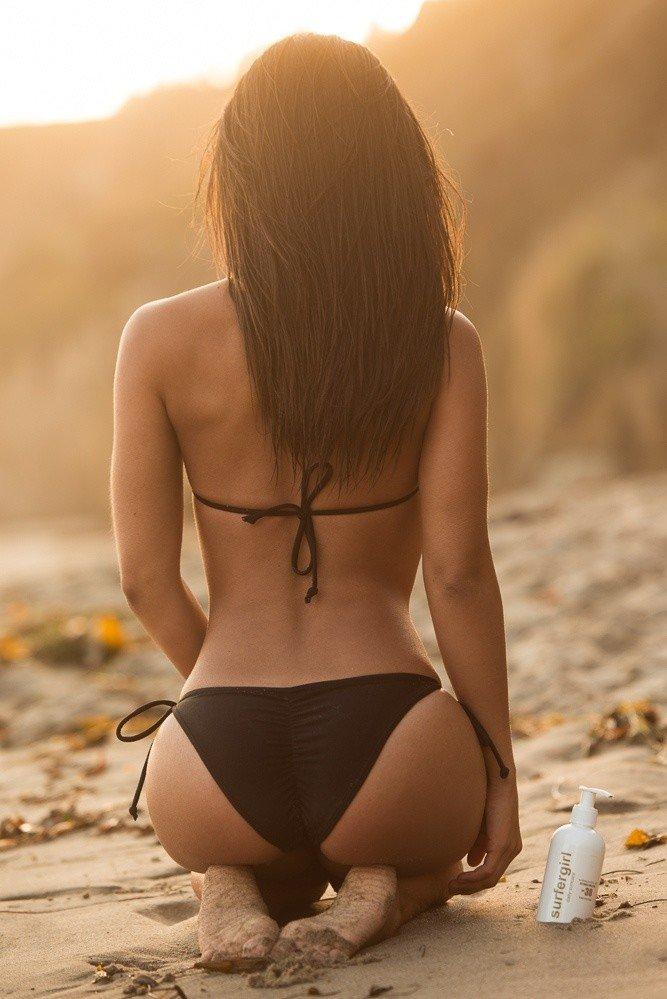 Девушка в купальнике фото со спины — pic 13