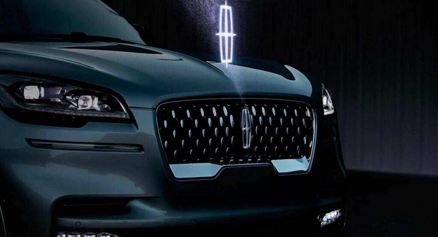 В США запатентовали голографические логотипы Ford и Lincoln Автомобили