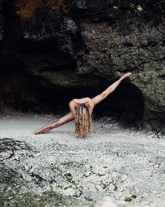 Сексуальная поклонница йоги создала инстаграм, от которого невозможно оторваться