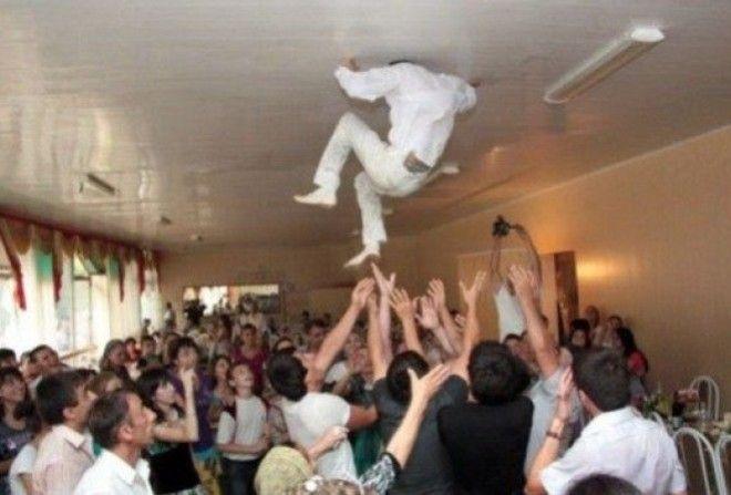 30 уникальных фото со свадеб