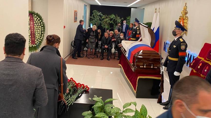 Валентина Матвиенко и Вячеслав Володин посетили церемонию прощания с Зиничевым Общество