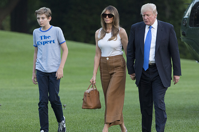 СМИ: Дональд и Мелания Трамп уже готовятся к переезду из Белого дома Звездные пары