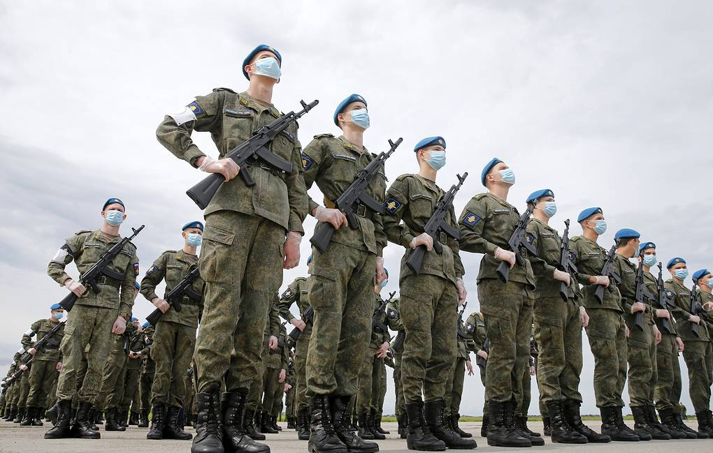 Военнослужащим и силовикам с октября повысят оклады на 3%