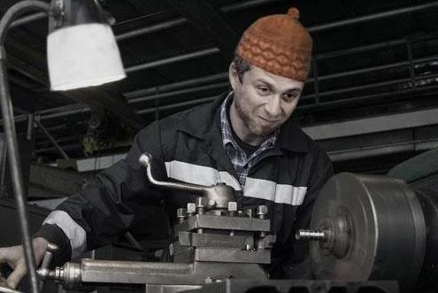 Почему начальство негативно относится к рабочим в России. мнение,начальство,общество,рабочие,россияне
