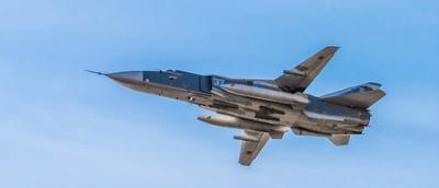 Военный самолет сирийской ар…