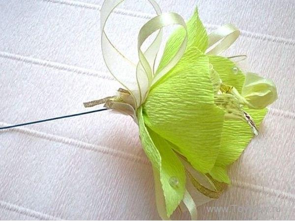 Орхидеи из гофрированной бумаги с сюрпризом