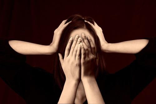 Эксперты рассказали, как распознать психологическое насилие
